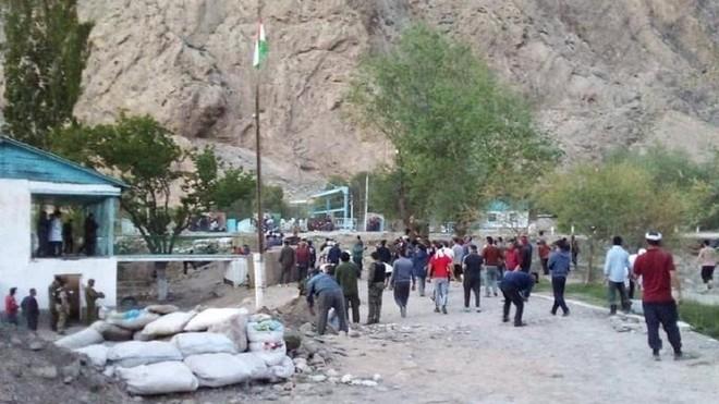 Vì sao xung đột bùng phát ở biên giới Kyrgyzstan và Tajikistan? ảnh 1