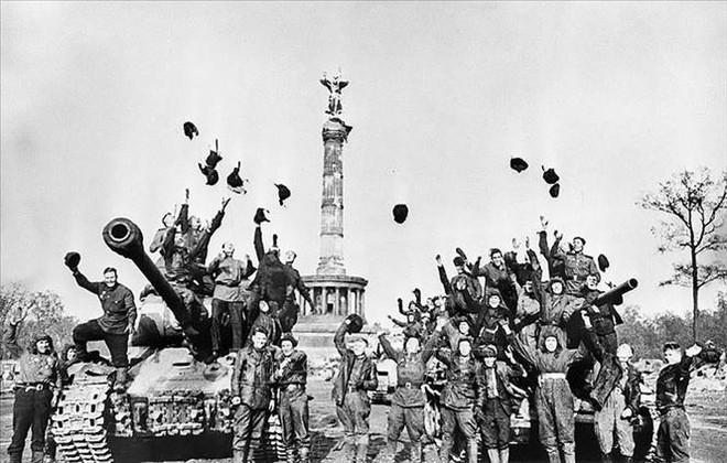 Tổng thống Nga gửi lời chúc mừng nhân 76 năm Ngày Chiến thắng ảnh 1