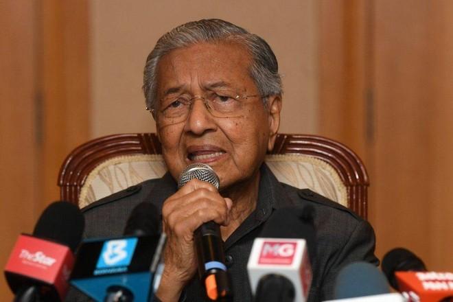 Cựu Thủ tướng 95 tuổi của Malaysia xin lỗi vì vi phạm quy định phòng dịch ảnh 1