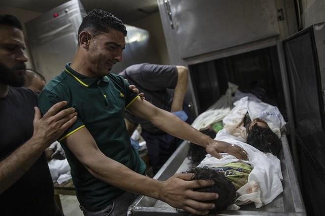 Israel không kích dải Gaza, nhiều trẻ em thiệt mạng ảnh 1