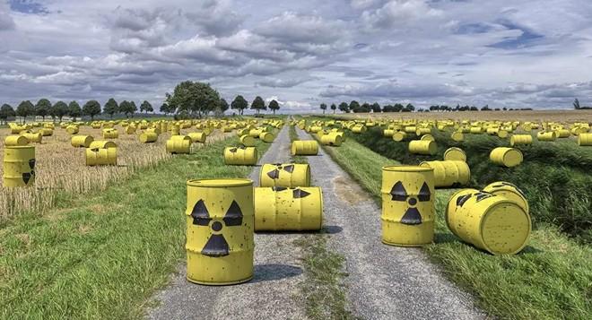 Tàu chở hóa chất trật bánh, một thị trấn ở Mỹ phải sơ tán ảnh 2