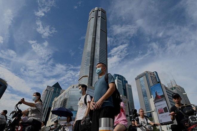 Trung Quốc điều tra khẩn cấp vụ tòa nhà chọc trời Thâm Quyến tự nhiên lắc lư ảnh 1