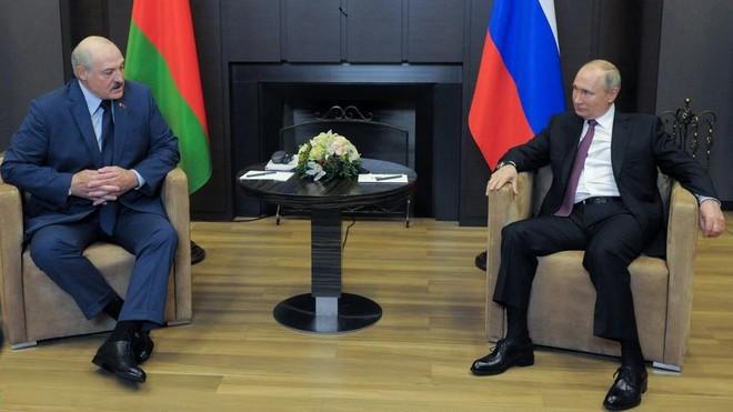 Tổng thống Nga Putin nói về vụ máy bay Ryanair hạ cánh ở Belarus ảnh 1