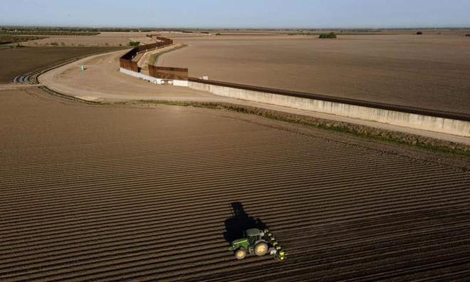Bang Texas của Mỹ định xây tường dọc biên giới với Mexico ảnh 1