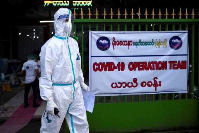Myanmar bị bắt giữ cựu lãnh đạo chương trình tiêm chủng Covid-19 ảnh 1