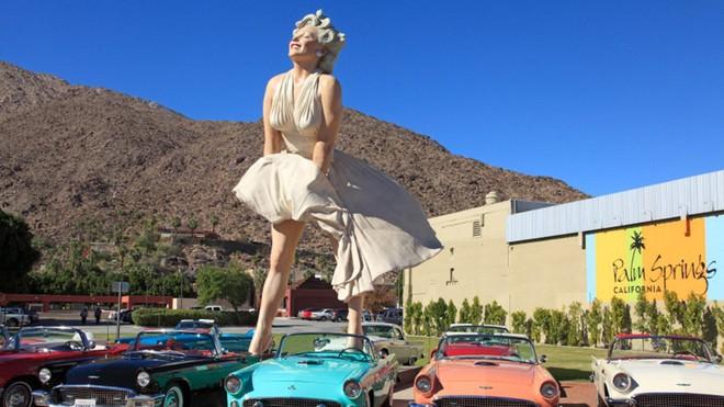 """Bức tượng """"Marilyn vĩnh cửu"""" bị phản đối khi chuyển đến California ảnh 1"""