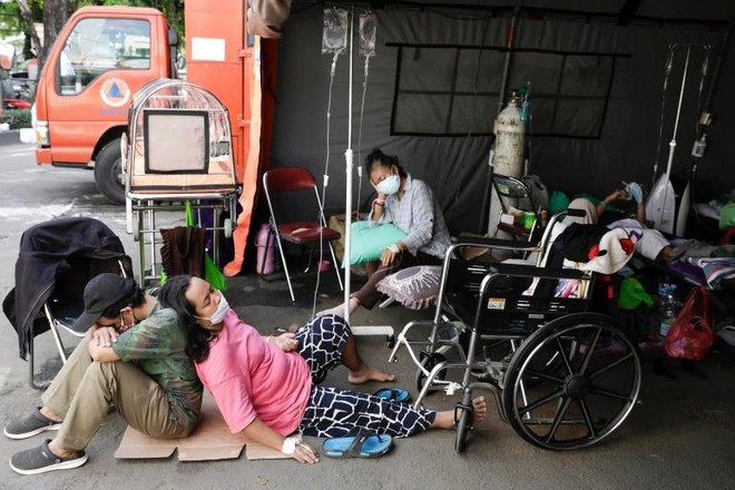 Quan chức Indonesia: Hệ thống y tế sắp 'sụp đổ' vì Covid-19 ảnh 1
