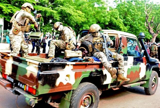 Đối tượng ám sát hụt Tổng thống Mali chết tại bệnh viện ảnh 1
