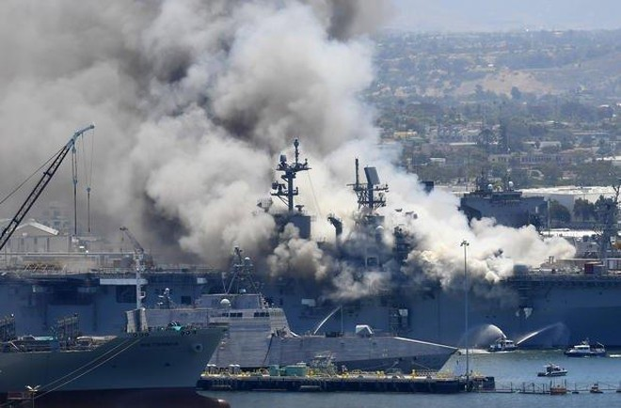 Một thủy thủ Mỹ bị buộc tội trong vụ cháy tàu chiến gây thiệt hại cả tỷ đô ảnh 1