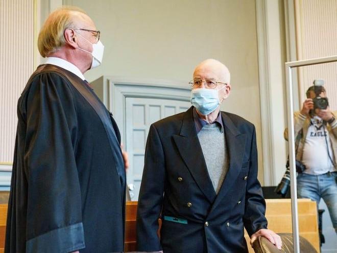 Nhà sưu tầm 84 tuổi ở Đức ra tòa vì cất giữ xe tăng trong tầng hầm ảnh 2