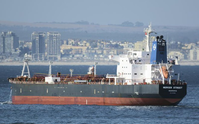 Iran phủ nhận tấn công tàu chở dầu ngoài khơi Oman ảnh 1
