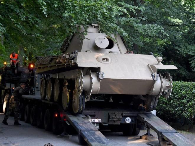 Nhà sưu tầm 84 tuổi ở Đức ra tòa vì cất giữ xe tăng trong tầng hầm ảnh 1