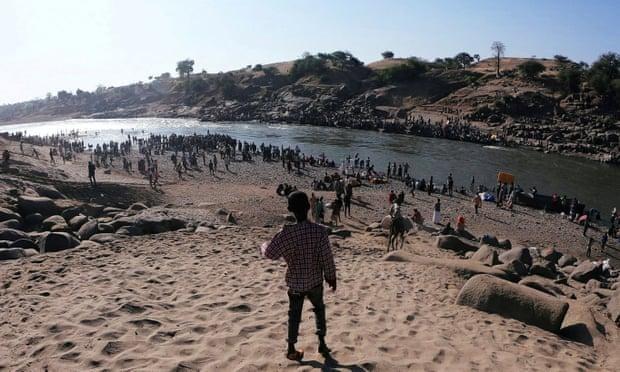 Phát hiện hàng chục thi thể trôi sông ở biên giới Ethiopia-Sudan ảnh 1