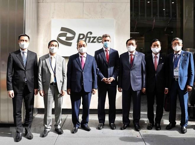 Chủ tịch nước Nguyễn Xuân Phúc thăm và làm việc tại Công ty Pfizer ảnh 1
