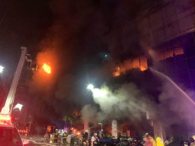 Cháy chung cư kinh hoàng ở Đài Loan, 46 người thiệt mạng ảnh 1