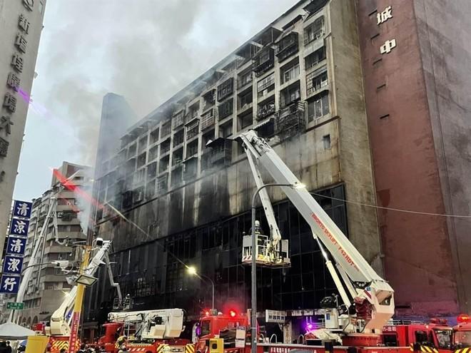 Cháy chung cư kinh hoàng ở Đài Loan, 46 người thiệt mạng ảnh 2