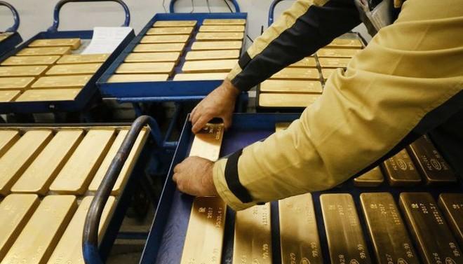 Các ngân hàng trung ương tích cực mua vàng để phòng ngừa lạm phát ảnh 1