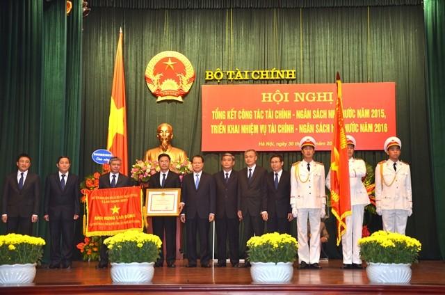 Cục Thuế Hà Nội: Đóng góp tích cực cho sự phát triển kinh tế - xã hội của Thủ đô ảnh 1