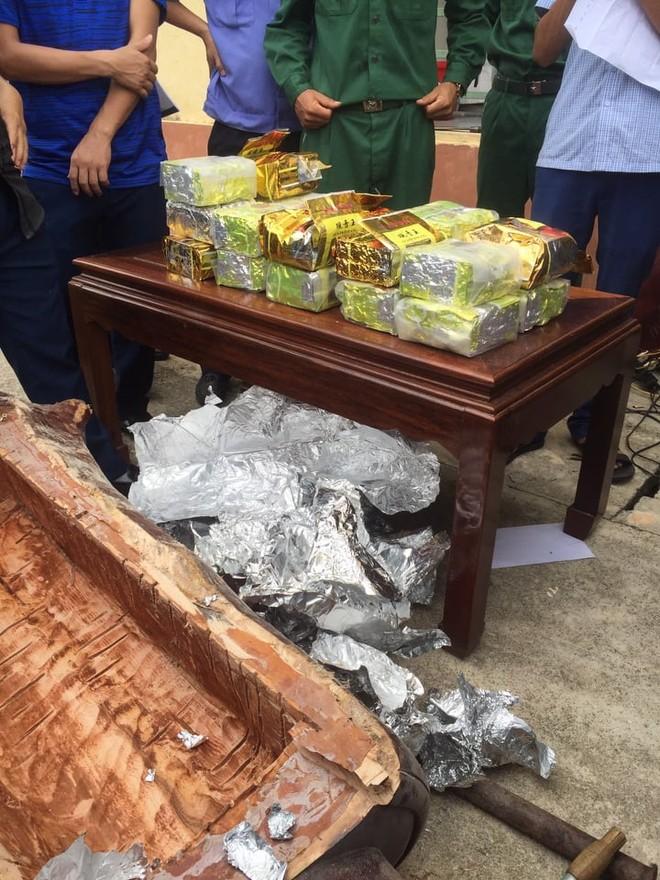 """Từ những pho tượng gỗ """"lạ"""" cài định vị, phát hiện, bắt giữ hơn 237 kg ma túy ảnh 6"""