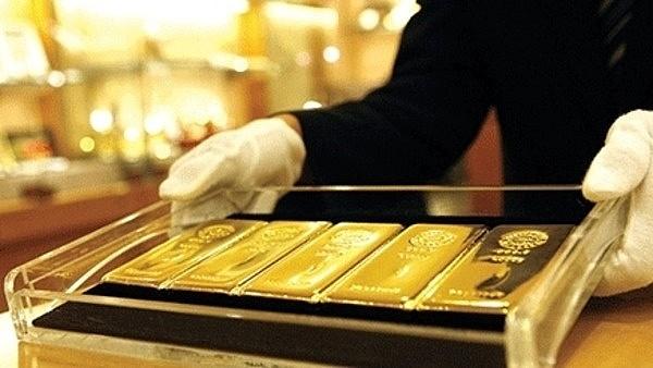 Giá vàng tiếp tục lao dốc phiên đầu tuần ảnh 1