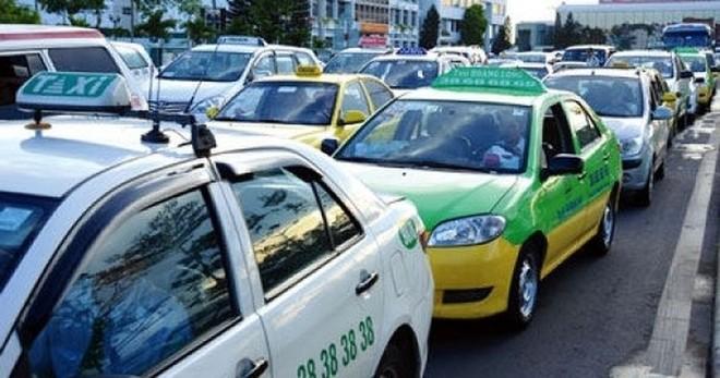 Có hay không việc thu nhập tài xế xe công nghệ sẽ giảm mạnh vì quy định thuế mới? ảnh 1