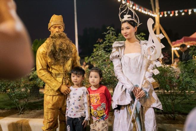 Danko Square - Rực rỡ lễ hội thắp sáng cây thông Noel đón Giáng sinh ảnh 10