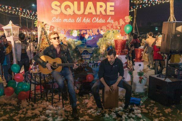 Danko Square - Rực rỡ lễ hội thắp sáng cây thông Noel đón Giáng sinh ảnh 15