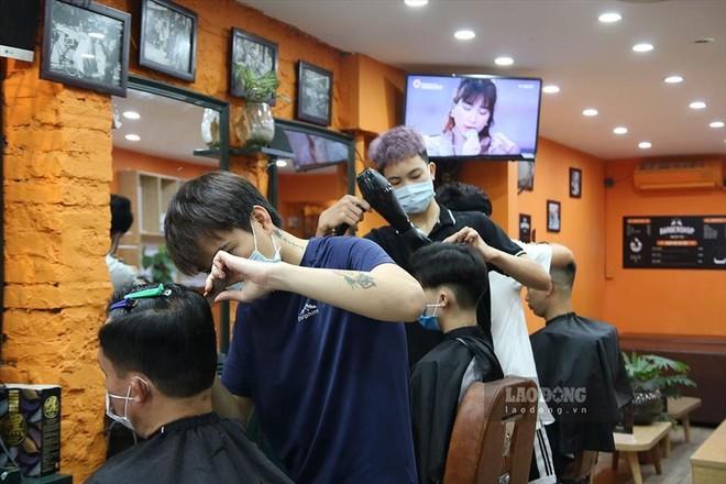 May đo, giặt là, cắt tóc, gội đầu… phải đóng thuế 7%: Đã áp dụng từ 2015! ảnh 1