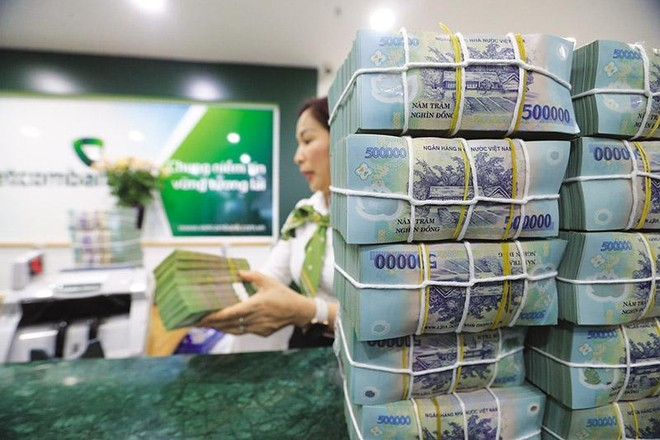 Thanh khoản thu hẹp, các ngân hàng liệu có tăng lãi suất? ảnh 1