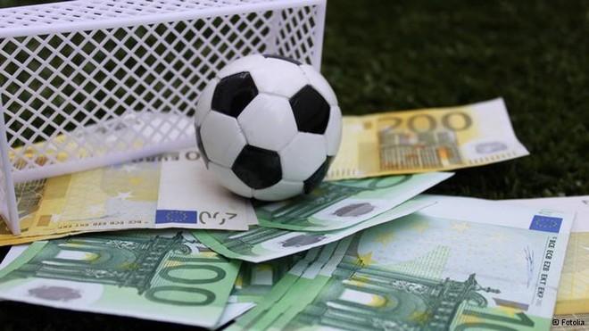 Giám sát việc sử dụng tài khoản, thẻ ngân hàng, ví điện tử chuyển tiền cờ bạc, cá độ bóng đá ảnh 1