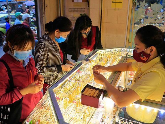 Đề xuất áp dụng chung thuế xuất khẩu các mặt hàng vàng mỹ nghệ ở mức 2% ảnh 1