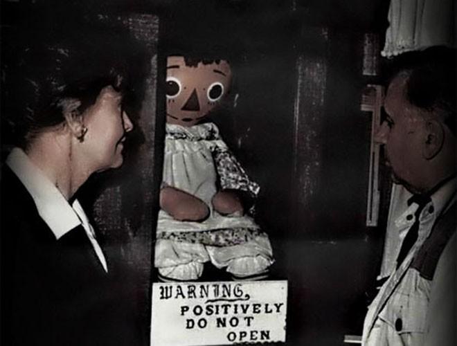"""[ẢNH] Bí ẩn những con búp bê """"ma quái"""" nổi tiếng nhất thế giới ảnh 4"""