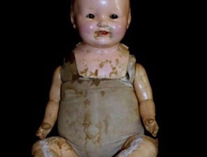 """[ẢNH] Bí ẩn những con búp bê """"ma quái"""" nổi tiếng nhất thế giới ảnh 11"""