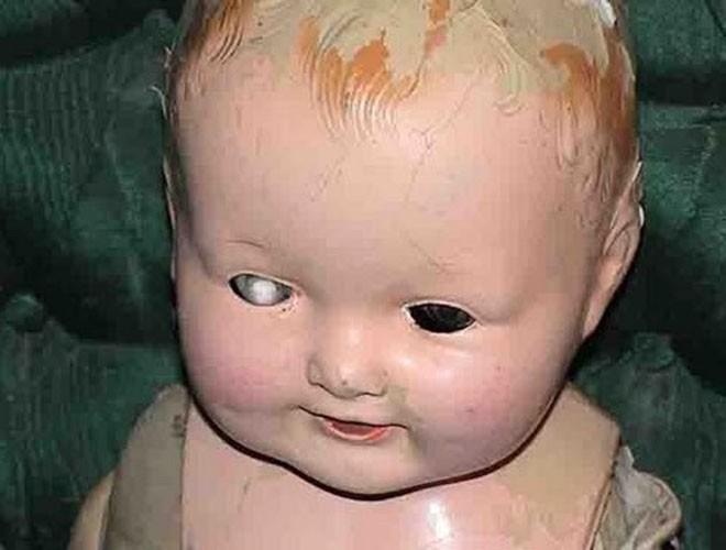 """[ẢNH] Bí ẩn những con búp bê """"ma quái"""" nổi tiếng nhất thế giới ảnh 12"""