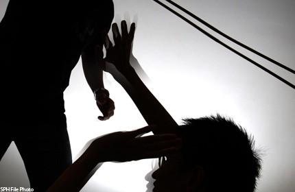 Trung Quốc: Thầy giáo hiếp dâm hàng loạt học sinh ảnh 1