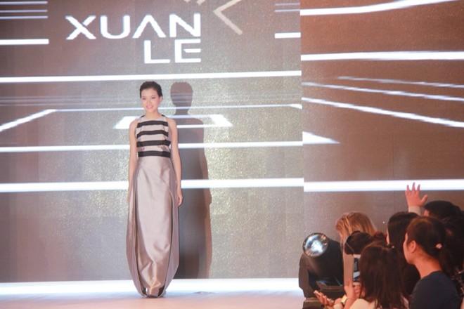 Xem siêu mẫu Việt trình diễn thời trang trong…lòng đất ảnh 4