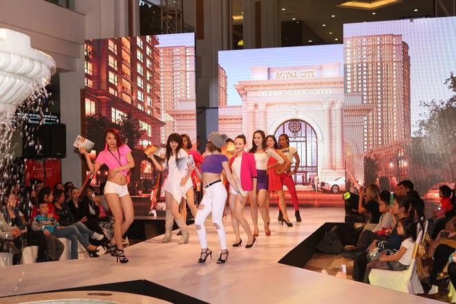 Xem siêu mẫu Việt trình diễn thời trang trong…lòng đất ảnh 7