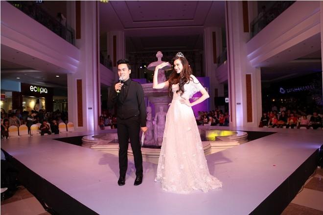 Xem siêu mẫu Việt trình diễn thời trang trong…lòng đất ảnh 1