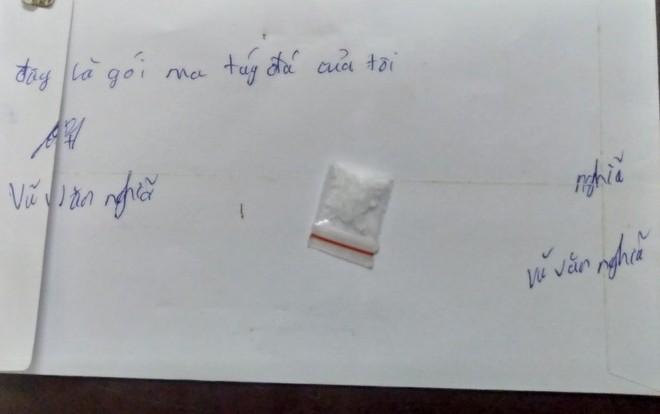 [CLIP] Giấu ma túy trong ốp điện thoại, nam thanh niên cự cãi khi gặp CSCĐ ảnh 3