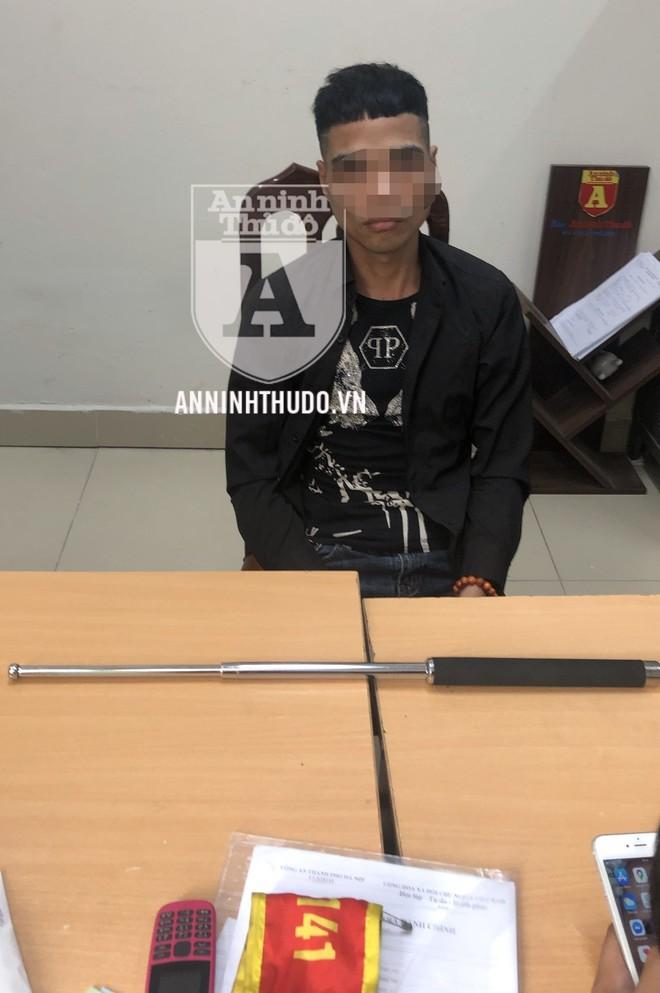 [CLIP] Cảnh sát 141 khống chế đối tượng cố thủ trong ô tô, giấu ma tuý ảnh 2