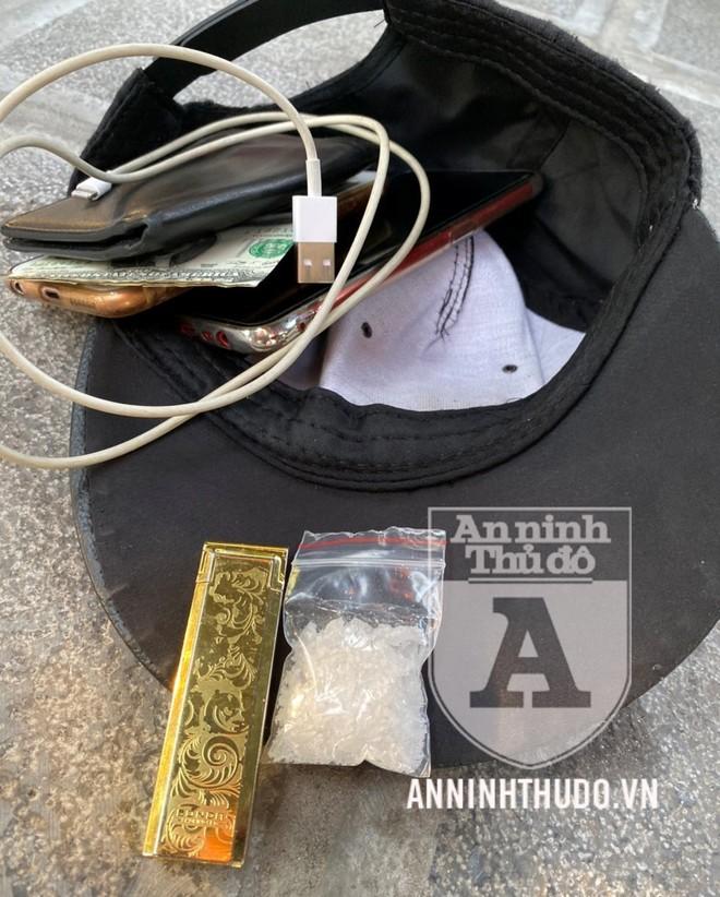 [CLIP] Tông thẳng xe vào Cảnh sát hòng 'thông chốt 141', đối tượng giấu bọc ma túy bị trấn áp ảnh 2