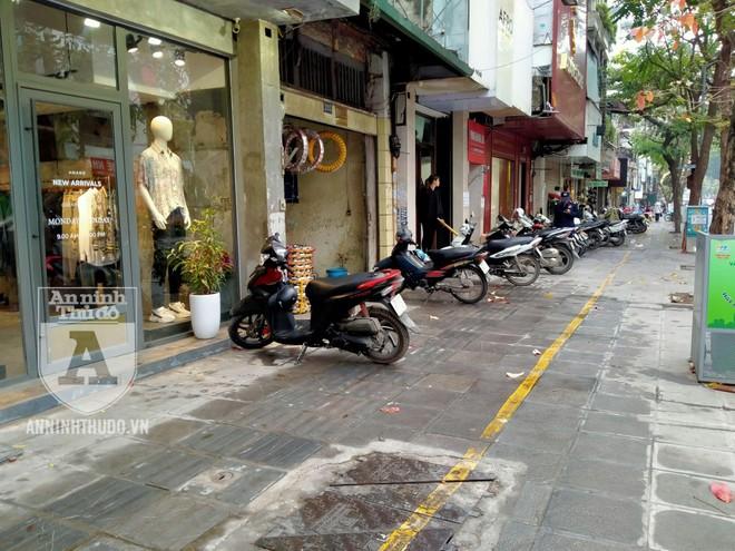 Công an quận Hai Bà Trưng (Hà Nội) ra quân đảm bảo ATGT, TTĐT ảnh 3