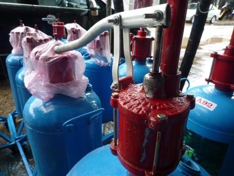 Phát hiện kho sản xuất cột bơm xăng mini vi phạm ảnh 5