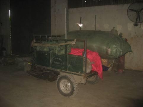 Đột kích tổng kho vải Trung Quốc giữa chợ Ninh Hiệp ảnh 3