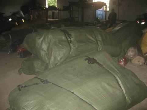 Đột kích tổng kho vải Trung Quốc giữa chợ Ninh Hiệp ảnh 4