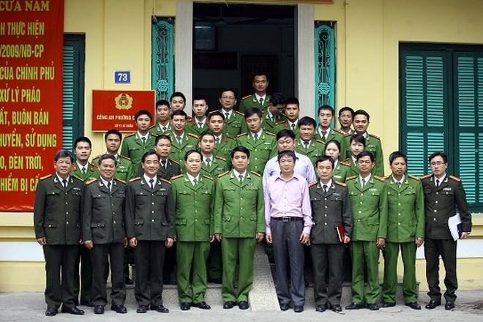 Giám đốc CATP Hà Nội thăm, kiểm tra công tác bảo vệ Tết tại công an cơ sở ảnh 5