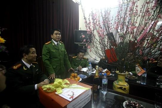 Giám đốc CATP Hà Nội thăm, kiểm tra công tác bảo vệ Tết tại công an cơ sở ảnh 3