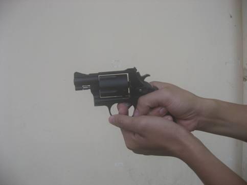 Cảnh sát khu vực Q.Hai Bà Trưng được trang bị súng đa năng ảnh 2