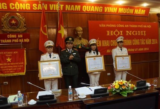 Tổ chức 4 đợt thi đua do CATP Hà Nội phát động ảnh 3