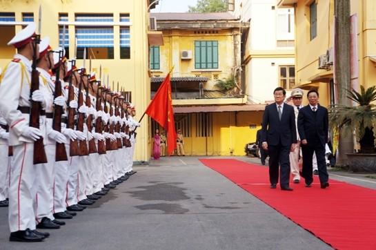 Chủ tịch nước Trương Tấn Sang thăm, chúc Tết Công an Hà Nội ảnh 4